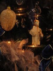 Noel en Perigord  Riberac Dordogne (117) (La Petite Clavelie) Tags: reveillon gay decorations france art vintage de table hotel maisons style diner dordogne noel an retro fete dome friendly belle prigord chic baroque nol fin maison campagne bel sarlat perigueux diners guirlande vaisselle sapin charme nouvel dco fetes dcorations anne gays napolon perigord hote aubeterre brantome riberac romantique aquitaine demeure prigueux reveillons rtro chambres ftes ambiances romantisme logis ventage caractre bourdeille htes ribrac demeures