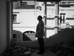 People from L'Aquila II (Fabrizio Luciano) Tags: street italy earthquake italia centro aprile 2009 aq abruzzo reportage laquila redzone terremoto fabrizioluciano