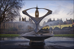 """... on the third stroke"" (Bob the Binman) Tags: street london fountain thames river housesofparliament bigben waterloo lambeth westminsterbridge se1 ststephenstower londonist stthomasshospital nikond90"