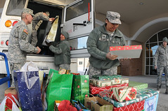 Gift unload (The U.S. Army) Tags: us unitedstates lisbon military gift northdakota nd ang fargo veterans ndang ndarng