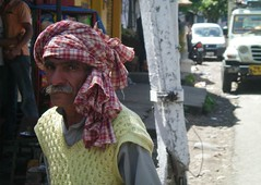 Old Man's Look (Keritheartist1) Tags: old india man men children women dress head delhi indian keri cloth punjab checkered headcloth keritheartist