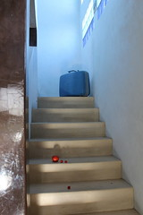 IP 165 (phoebird) Tags: blue light red hot color texture luz stairs noir yeah tomatoes luggage santos todos 2012 phoebird utata:project=ip165