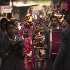 India. Rajasthan, Pushkar, procession.. (lalie sorbet) Tags: street flowers people music india colors fleurs portraits canon square faces couleurs procession rue musique inde carré visages eos60d laliesorbet krishnabrashband