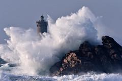 _4LN5404-partie de cache-cache (Brestitude) Tags: sea mer lighthouse four big brittany wave bretagne breizh vague phare finistère grosse argenton hudge porspoder chenaldufour nordfinistère paysdesabers brestitude