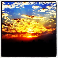 igers #iphone #iphone4 #iphoneonly #jj_forum #instadaily... (Victor Hernandez Photography) Tags: california sunset skyscape jj cloudporn iphone joshjohnson skyporn vdh iphone4 thisiscalifornia iphonephotography iphoneography igers iphoneonly instagram statigram jjforum instadaily jjchallenge instagramhub instagood uploaded:by=flickstagram jamesfavourites instagram:photo=48635030823031