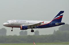 Airbus A319-111 VP-BDO Aeroflot (EI-DTG) Tags: dus dusseldorfairport 02aug2009 a319 111 vpbdo aeroflot 2091 su airbus319