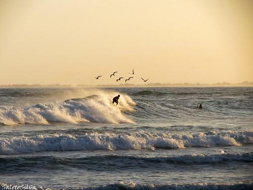 Resultado de imagem para surf na praia da vila em imbituba