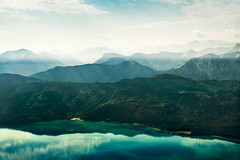 mountains.III (pfn.photo) Tags: wood light sea sky sun lake mountains alps reflection nature water clouds landscape bayern bavaria mirror see tirol view natur himmel wolken berge alpen landschaft wald spiegelung pound walchensee ausblick lichtstrahlen bewaldet bergkette hnge