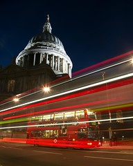St Paul's Churchyard Bus stop (HClaireB) Tags: bus london night stpauls dome lighttrails