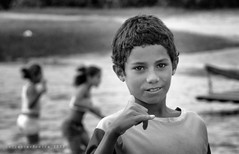 Shaka Sign (jfraile (OFF/ON slowly)) Tags: boy brazil portrait blackandwhite bw blancoynegro brasil natal retrato bn shaka nio blackwhitephotos shakasign mygearandme mygearandmepremium mygearandmebronze goldenawardlostcontperdidos jfraile javierfraile signoshaka