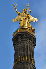 Victory Statue (Stephen Whittaker) Tags: berlin angel germany gold wings nikon victory wreath column laurel siegessäule d5100 whitto27