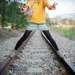 . (Da✞a) Tags: portrait girl yellow bokeh taiwan taipei miaoli rolleiflex28f 苗栗 zeissplanar80mmf28 kodakportra400 nikoncoolscan9000ed 林老師 龍騰段橋