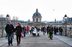 pont de arts, paris (Frankenstein) Tags: bridge paris france architecture pedestrians