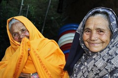 Old smiling ladies in Nepal (vankerkoven.ludovic) Tags: old ladies nepal india hindou beautiful smile yellow mountain elderly friends shy mature