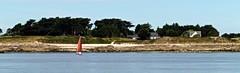Voilier au bord de l'le de Batz (Alexia Thirion) Tags: ledebatz bretagne mer vacances paysages bateau sea holiday britain landscape boat
