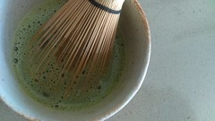 (clascaris) Tags: bamboo teawhisk tea chasen chawan foam matcha preparingtea