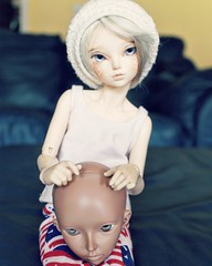Blake and a very unhappy friend. (pokori) Tags: minifee mnf msd blake celine rheia boy fairyland ns tan bjd laveene
