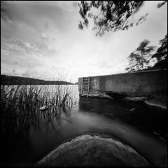 Arrow (Hasse Linden) Tags: realitysosubtle6x6 rss6x6 pinhole pinholecamera film analog analogue ilford hp5 standdevelopment adox adonal rodinal mediumformat 120 6x6 landscape lake