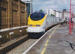 373217 Vauxhall 19/9/1995 (Martin Coles) Tags: trains train rail railways railway eurostar class373 vauxhall 373217 3217