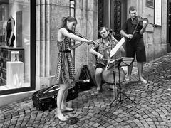 Where the music flows (Karl Le Gros) Tags: musicians trio lausanne xaviervonerlach 2016 beethoven sonyilce7rm2 sonyzeissfe35mmf28za music streetphotography