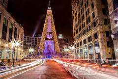 Christmas in Indy (edited by a friend/davlinste)) (conniee4 aka Connie Etter) Tags: lights downtown indy christmaslights sparkle 2012 davekelly indianapolisin monumentcircle 2470mm canon5dmarkii davlinste