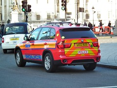 Met Police DPG 75 (kenjonbro) Tags: new uk red england london westminster rear trafalgarsquare guns 75 charingcross 2012 sw1 armed x5 metropolitanpolice arv armedresponseunit diplomaticprotectiongroup kenjonbro xdrive30d automaticnumberplaterecognition anprfitted fujifilmfinepixhs10 dpg75 bx62bzo