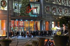 making a list (pbo31) Tags: sanfrancisco california santa christmas people color night shopping lights nikon holidays december crowd christmastree christmaslights departmentstore macys unionsquare shoppers 2012 holidayseason gearystreet d700