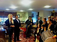 Χαρμόσυνες ευχές και μελωδίες στο γραφείο του Δημάρχου Αμαρουσίου Γ. Πατούλη, Παραμονή της Πρωτοχρονιάς του 2013