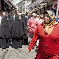 Istanbul - shopping district (YetAnotherLisa) Tags: turkey hijab istanbul berka carsaf