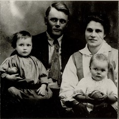 Dorothy, Oscar, Laura and Margaret Jacobson