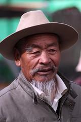 Portraits at Jokhang (10b travelling) Tags: china portrait man hat beard asian temple asia buddhist palace tibet palais himalaya lhasa potala jokhang palast himalayas templo himalayan tempel 2010 palacio peopleset carstentenbrink iptcbasic
