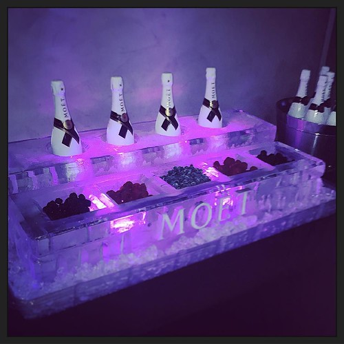@whotelatx really knows how to welcome their guests to #austin with this @moetchandon #icesculpture display! #fullspectrumice #icebar #thinkoutsidetheblocks #brrriliant - Full Spectrum Ice Sculpture
