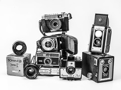 Camera Pile a (L Urquiza) Tags: still life table top old camera bodegon bw