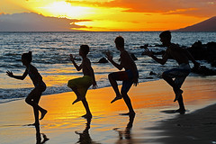 Kihei Sunset Goof Dance / Havajski neozbiljni ples (Gordana AM) Tags: wwwgordanaphotocom gordanamladenovic gordana photography photographer photo portcoquitlam bc britishcolumbia vancouver lowermainland canada lepiafgeo kihei maui hawaii islands tropical tropics orange sunset water ocan pacific beach sand rocks contrast four kids children silhouettes goofs silly dancing marching knees up three boys one girl childhood outside outdoor fun