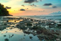 Sunset Pantai Merdeka (Pakcik G) Tags: solorider pakcikg flickrcomuncleg wwwblogsempoicom sunset pantaimerdeka pulausayak sea orange cloudydays windy hdr singglerawhdr newbie