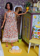 Venetiah (Girl Least Likely To) Tags: momoko closeclippedsheep ccs15aw tan brunette bob shorthaired bedroom asianfashiondolls diorama dollhouse dollscene dollroom miniatures