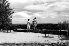 Belle vue (stephphoto8184) Tags: villeneuve noir et blanc touriste fort saint andr banc vue ciel