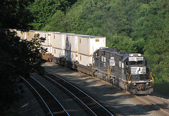 40-2's Help (GLC 392) Tags: norfolk southern ns emd sd402 3351 3359 helpers cassandra pa pennsylvania container stack train railroad railway up hill working pittsburgh line