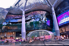 ION Orchard (kimmy bourne) Tags: singapore streetphotography orchardroad d90 tamron1750 ionorchard