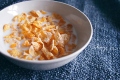 Happy Friday the simple way (Chez C. - buzy) Tags: morning breakfast 50mm milk cereal olympus bowl cornflakes f17 epl2