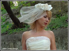 fejdsz juliacarina (Eskvi fejdsz) Tags: wedding white fashion design hungary julia handmade lace carina wear showroom accessories bridal visual magyar weil ruha stylist eskv weddign fehr fascinator individuell fot menyasszony ftyol eskvi kiegszt kszlt stdi kzzel csipke egyedi kszts artbalance fejdsz csipks eskv visualmerchandieser merchanieser