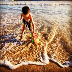 igers #iphone #iphone4 #iphoneonly #jj_forum #instadaily... (Victor Hernandez Photography) Tags: ocean beach jj waves play iphone joshjohnson vdh iphone4 thisiscalifornia iphonephotography iphoneography igers iphoneonly instagram statigram jjforum instadaily jjchallenge instagramhub instagood uploaded:by=flickstagram jamesfavourites instagram:photo=48616941123031