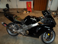 2007 ZZR600 with a Corbin Seat (jases10) Tags: 2005 light boy woman dog house man black hot sexy ford girl car leather animal bike bicycle sex cat truck honda project dark children video crazy 4x4 seat 05 under 4wd 2006 harley tires chevy 600 harleydavidson motorcycle dodge hd windshield carbon custom fiber pegs 06 constuction davidson lowered 07 saddle stunt carbonfiber 2007 buell corbin 2wd lifted fail zx6r grips saddel zzr zzr600 kawaski carberator cager