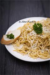 Pasta with Cheese and Black Pepper (AlenaKogotkova) Tags: cheese dinner lunch pasta spaghetti parsley macaroni blackpepper italiancuisine pecorinocheese