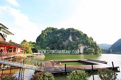 Jeti Gunung Lang, Ipoh (syuksharkawi) Tags: camera castle water fountain leaves landscape photo picnic jetty air tripod pangkor malaysia remote poon