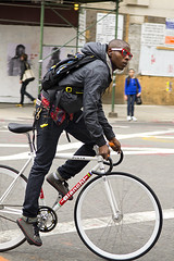 Cool biker (RodaLarga) Tags: people ny newyork bike bicycle nikon streetphotography d7000