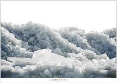 Kuiend ijs (5D043578) (nandOOnline) Tags: winter berg nederland natuur vuurtoren marken landschap noordholland ijselmeer ijs vorst markermeer vriezen ijsschotsen kruiendijs dooien paardvanmarken