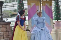 Snow White & Cinderella (RayCisco) Tags: california disneyland anaheim princesssnowwhite princesscinderella princessroyalwalk