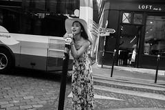 Asian Girl (NikoCa) Tags: fuji fujix100t fujifilm paris people parisian parisien personnes street streets streetphotography blackandwhite