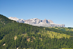 Dolomites zones (Cjasar) Tags: dolomites dolomiti dolomiten geology geography anthropology dolomite dolomia rock highplain valley peaks crt croda spitz mountains mountain hiking trekking backpacking outdoor escursionismo cjamin climbing mountaineering sudtirol ladinia valbadia badia gadertal